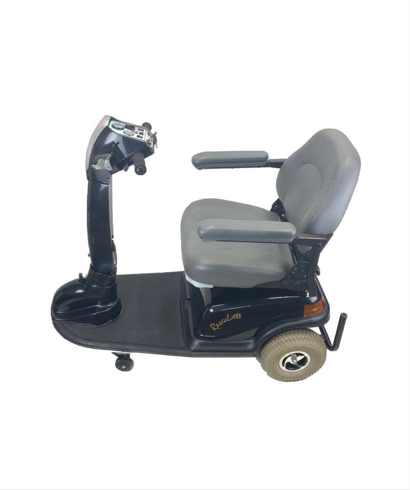 Top corner of Rascal 600T Electric 3-Wheel Scooter  Seat Elevating Capabilities  450 lbs. Weight Capacity  19 x 16 Seat  Lighting Kit