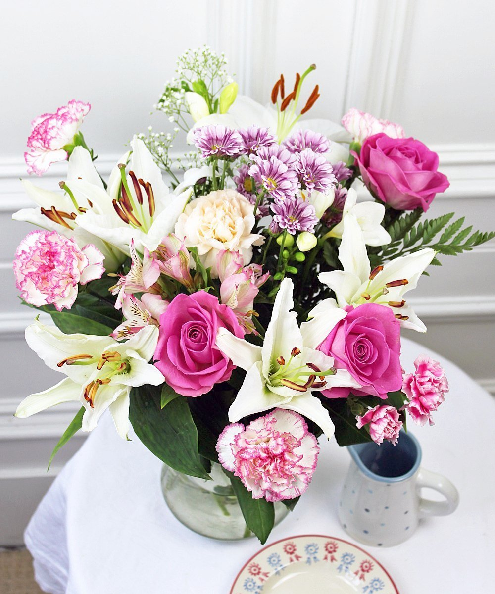 Order Pink And White Flowers Bouquet For Sending In Uk Guernsey Flowers By Post