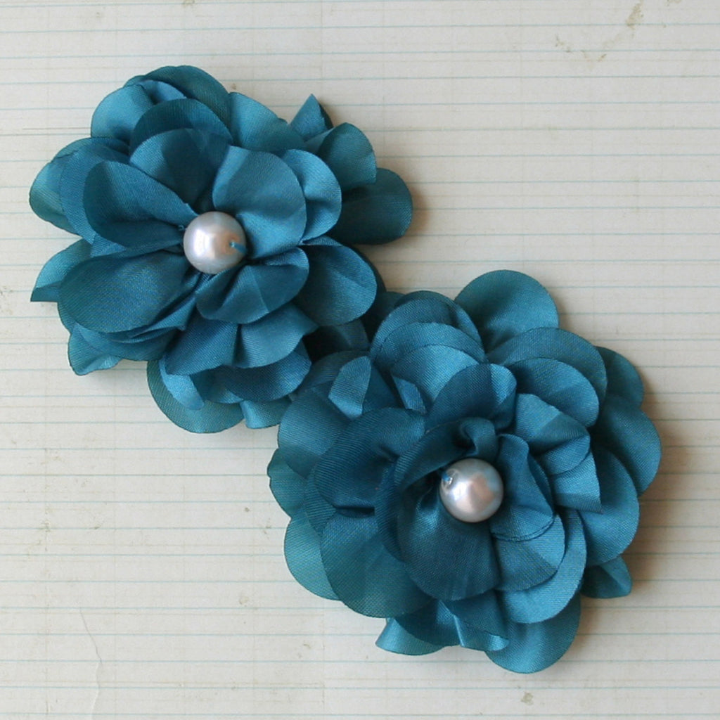 Satin Scallop Edge Blooms - Teal