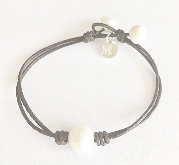 Simplicity, Handmade Leather and Pearl Bracelet