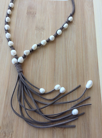 Handmade Leather and Pearl Long Necklace with Tassel,Boho Pearl Necklace,Long Tassel Necklace,Minimalist Style Jewelry,handmade leather necklace with freshwater pearls for women,boho style jewelry for women,pearl and leather necklace,long suede necklace,long leather necklace for women,simple long leather necklace with tassel for women