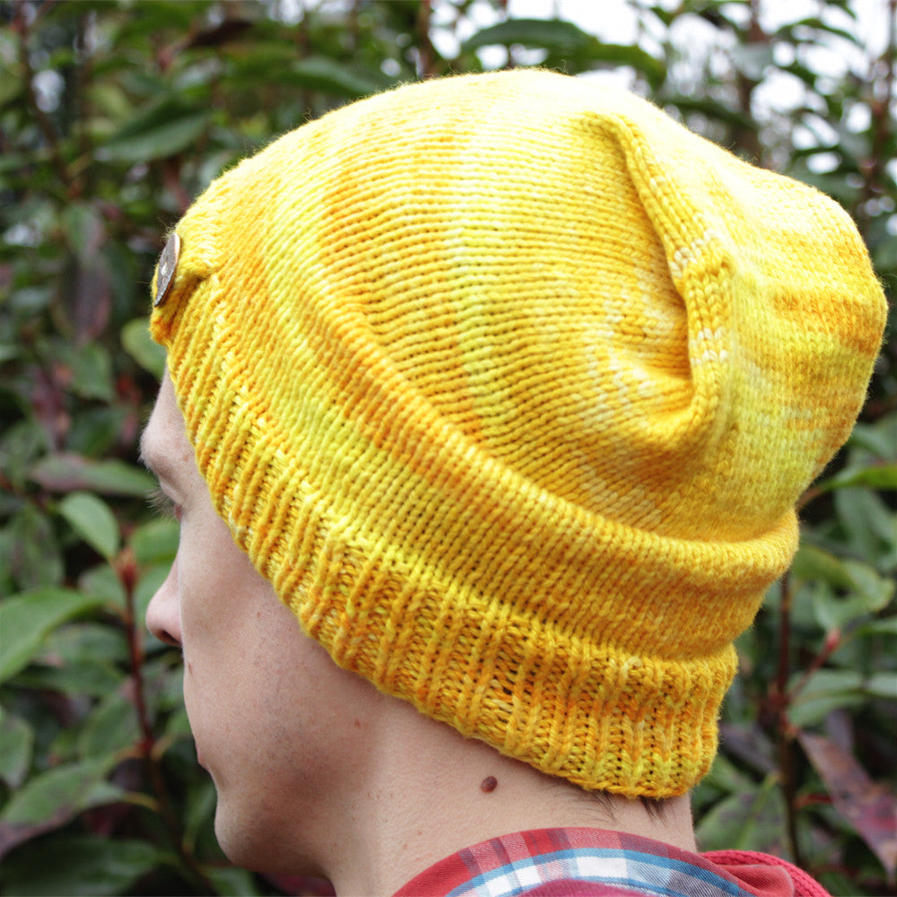 Kuranosuke Hat,  Vegan Yarn, Patterns vegan yarn, wool free, hand dyed yarn, bamboo, organic cotton, fair trade, naturally dyed, cellulose yarn, vegetarian, cruelty free, sock yarn without wool, cotton blend sock yarn, wool alternative, hand dyed wool free yarn, naturally dyed cotton yarn, plant based, vegetal, botanical, ecological, low impact, cruelty free, herbivore, vegetalien, crochet, weave, weaving, crafting, supply, supplies, hand dyed, natural dye