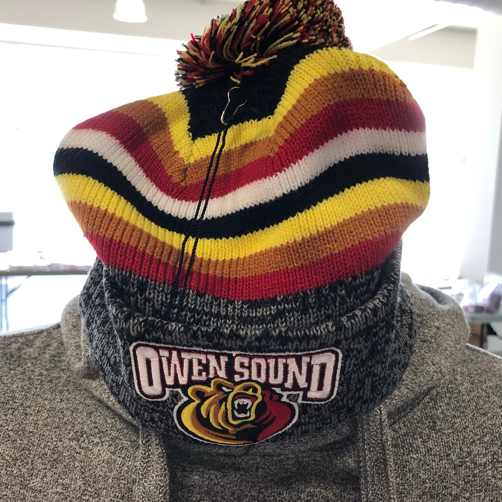 BarDown Pom Pom Toque - Adult