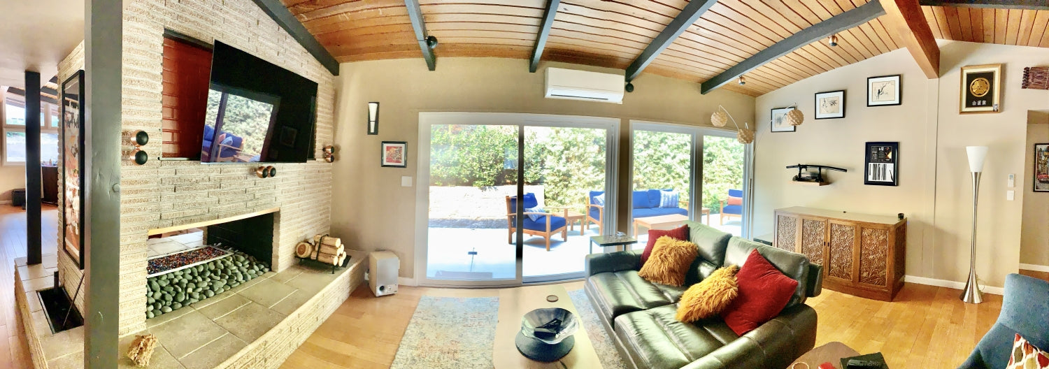 Large room with vaulted ceiling pano