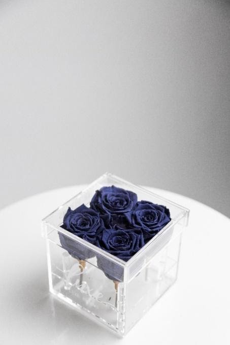 FOUR ROSE ACRYLIC BOX
