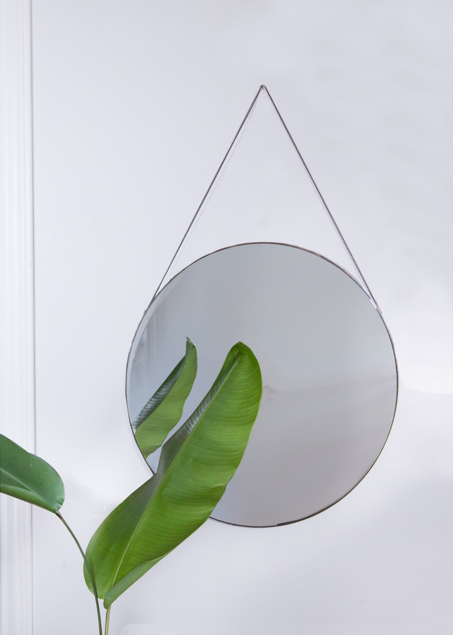 Classic Circular Mirror - With Chain