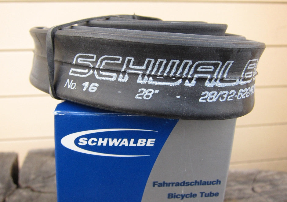 Schwalbe SV16 MEDIUM inner tube, 700c x 28 - 32
