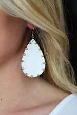Pearly Perfect Earrings - White