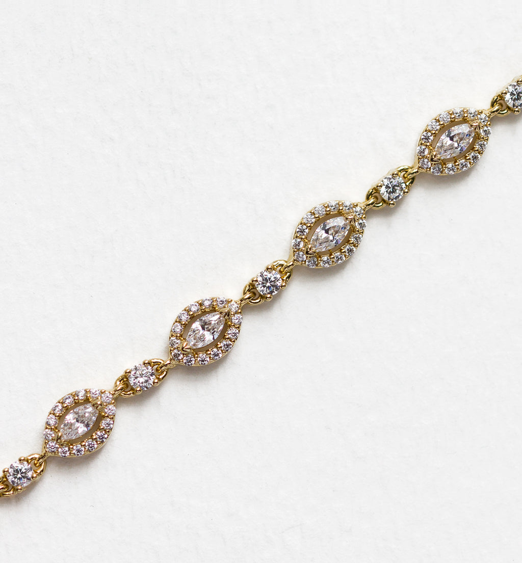 Daisy Crystal Bracelet in Gold