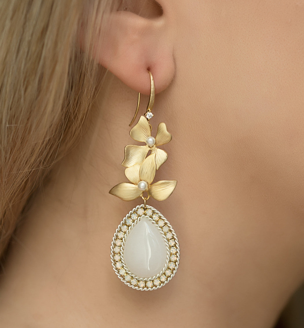 Jardin Floral Moonstone Earrings - Amy O. Bridal