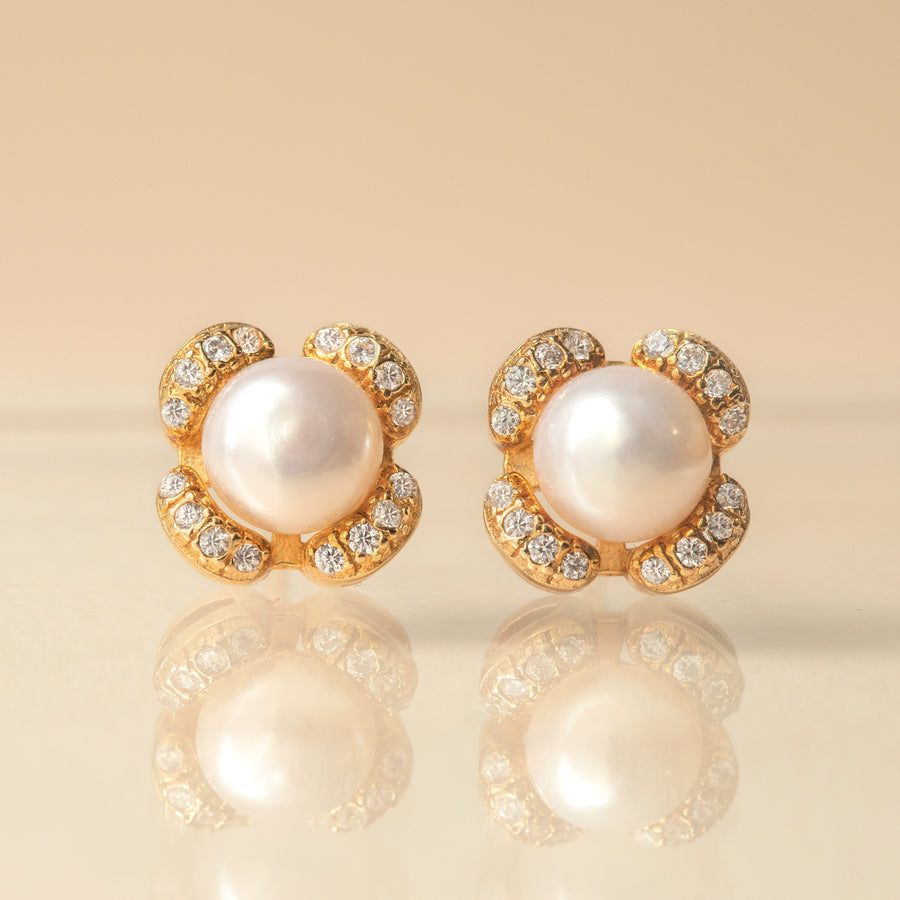 Flora Pearl Stud Earrings - Amy O. Bridal