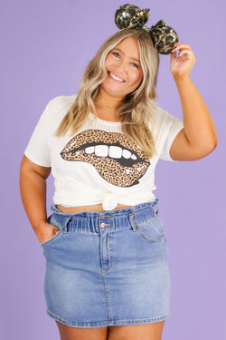 Ivory / S Tongue Twister Leopard Lips Graphic Top | CURVE - FINAL SALE - Madison and Mallory