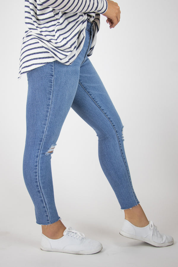 Ainsley Distressed Jeans - Madison + Mallory