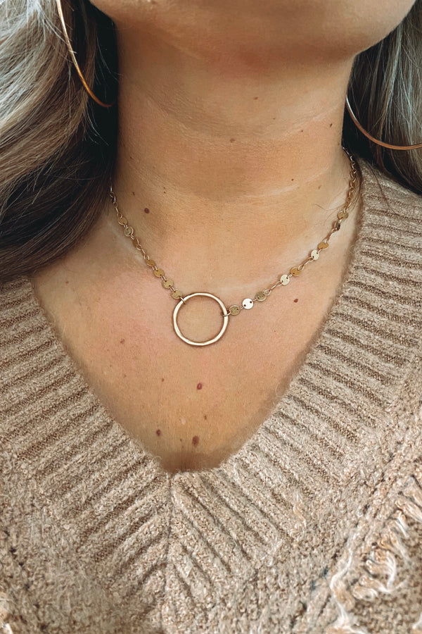 Gold Another Round Hammered Circle Disc Necklace - Madison and Mallory