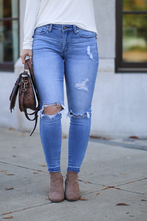 1/24 Aldean Released Hem Distressed Jeans - Madison + Mallory