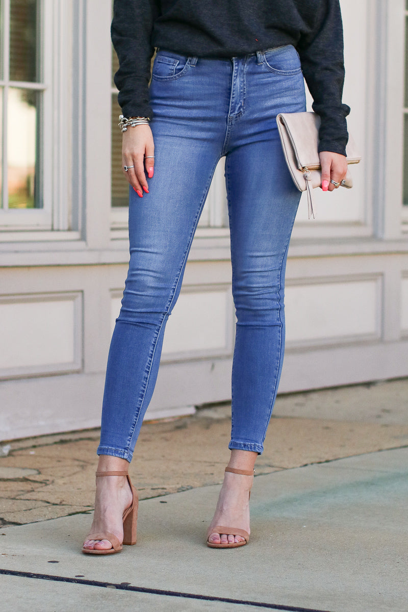 3/25 / Medium Hannon High Rise Jeans - FINAL SALE - Madison and Mallory
