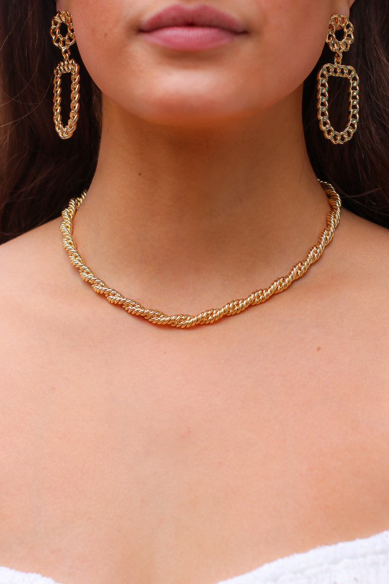 Gold Chic Affair Twisted Chain Necklace - Madison and Mallory