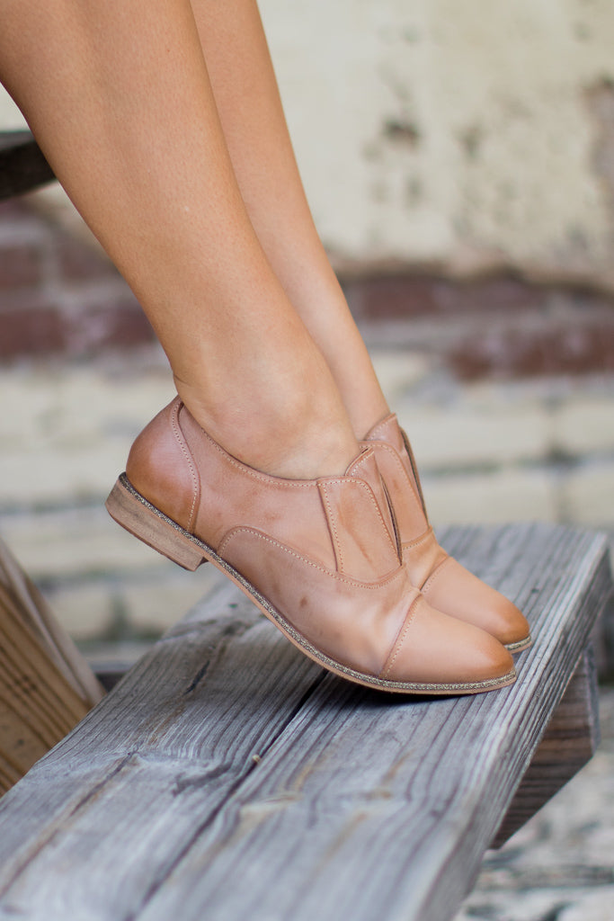 Slip Knot Oxford Flats - Madison + Mallory