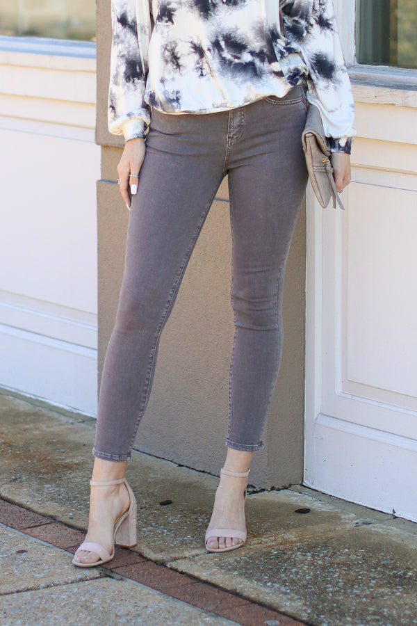 1/25 / Gray Andor Vintage Washed Gray Skinny Jeans - Madison + Mallory