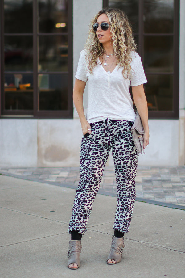 M / Gray Lounge Out Loud Leopard Jogger Pants - Madison + Mallory