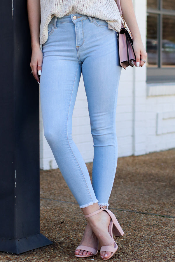 1/24 / Light Wash Reya Light Wash Skinny Jeans | CURVE - Madison and Mallory