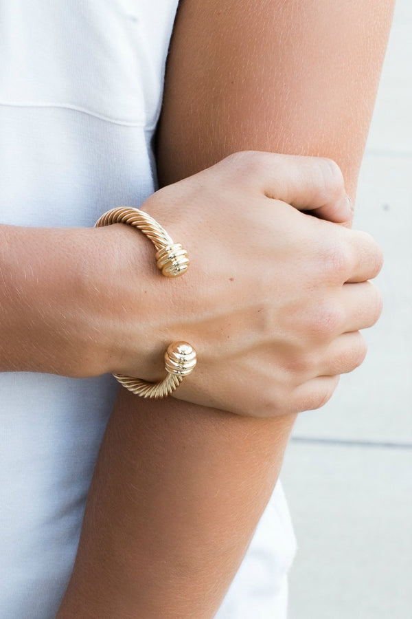 OS / Gold Twist in Time Cable Bracelet - Madison + Mallory