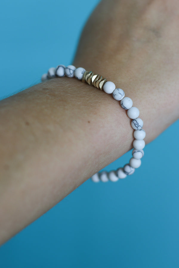 OS / White Natural Beaded Bracelet - Madison + Mallory
