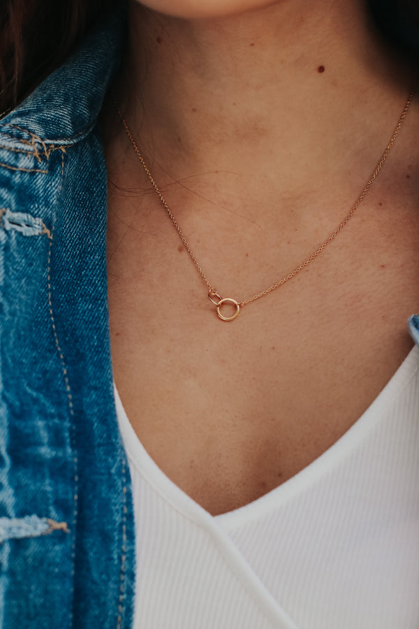 Gold Linked In Circle Necklace - Madison + Mallory