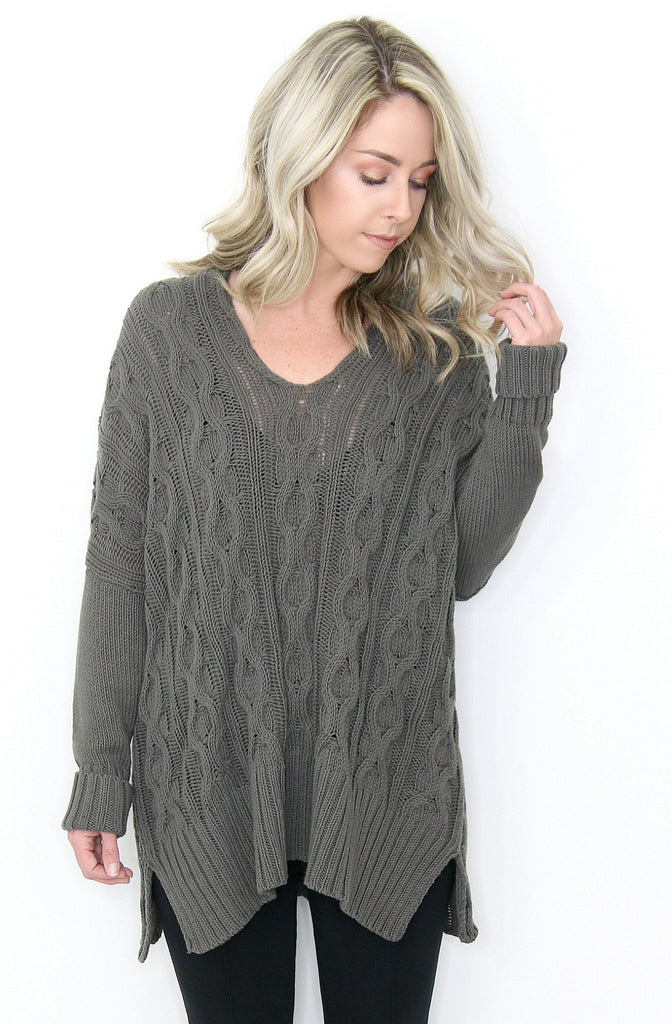 Oversized Easy Cable V-Neck Sweater