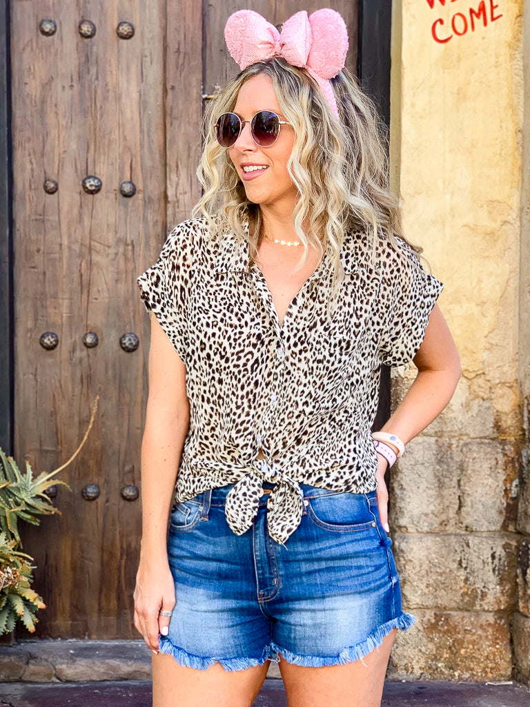 Temptress Leopard Button Down Top | CURVE - Madison + Mallory