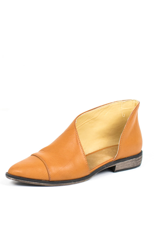 5.5 / Tan Tuxedo Cutout Flats - FINAL SALE - Madison + Mallory