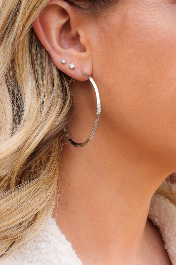 OS / Silver Amity Textured Hoops - Madison + Mallory