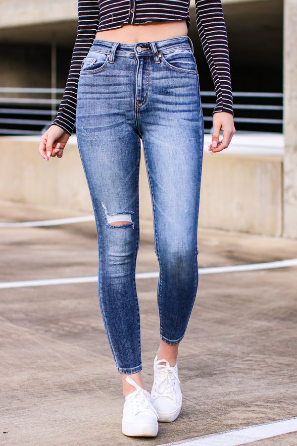1/24 / Medium Braelynn High Rise Distressed Skinny Jeans - Madison and Mallory