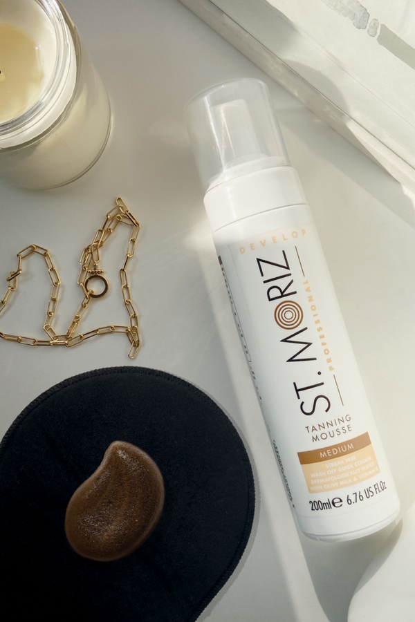 St. Moriz Professional Self-Tanning Mousse + Velvet Applicator Mitt - Medium - Madison and Mallory