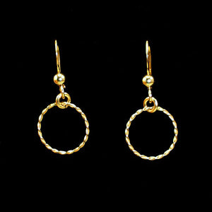 dainty gold circle earrings