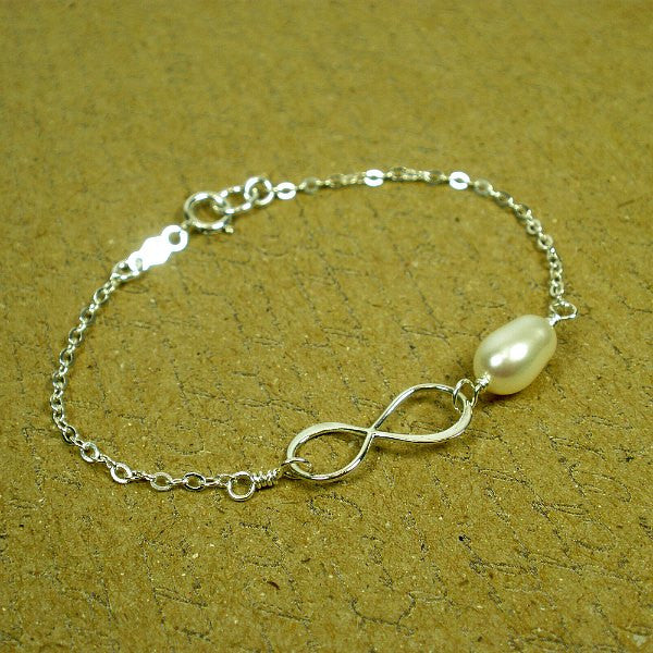 mom gifts infinity pearl bracelet