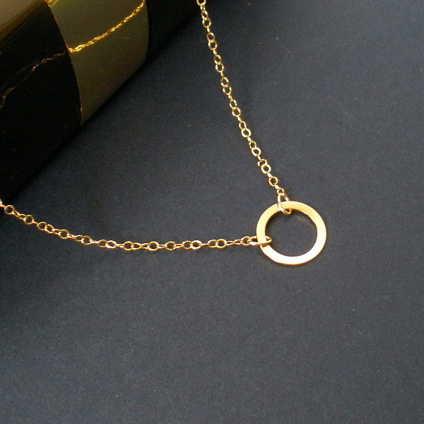 Dainty Simple Circle Necklace Gold