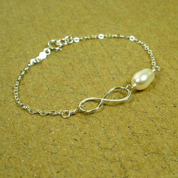 bridesmaid gift maid of honor Infinity pearl bracelet thank you gift