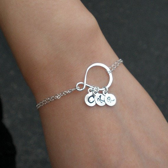 mom initial bracelet silver personalized gift