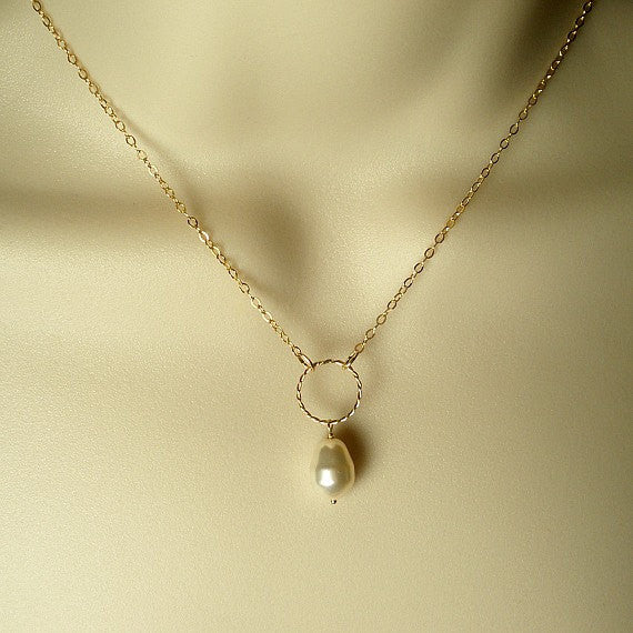 dainty gold circle necklace single pearl womens jewelry