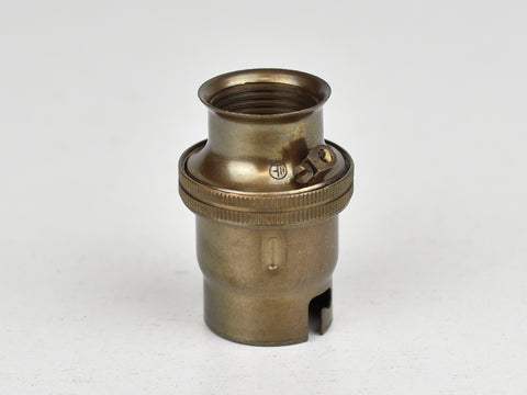 B22 Brass Bulb Holder | 20mm Conduit Fitting | Plain Old English Brass - Vendimia Lighting Co.