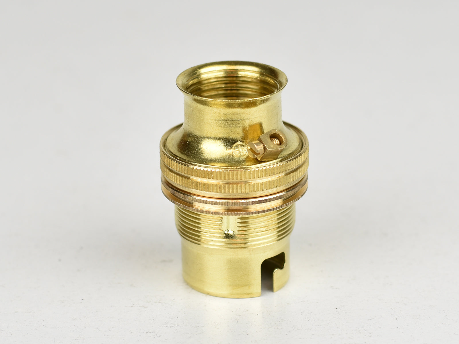 B22 Brass Bulb Holder | 20mm Conduit Fitting | Threaded Brass - Vendimia Lighting Co.