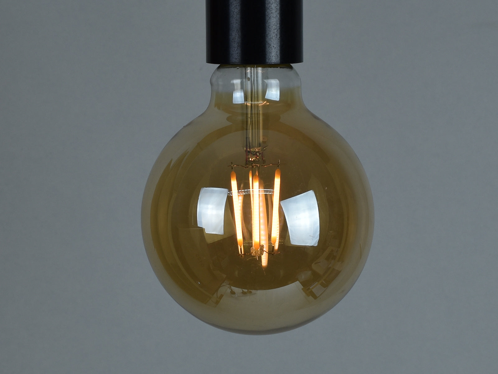 B22 LED Filament Bulb | G95 | Amber - Vendimia Lighting Co.