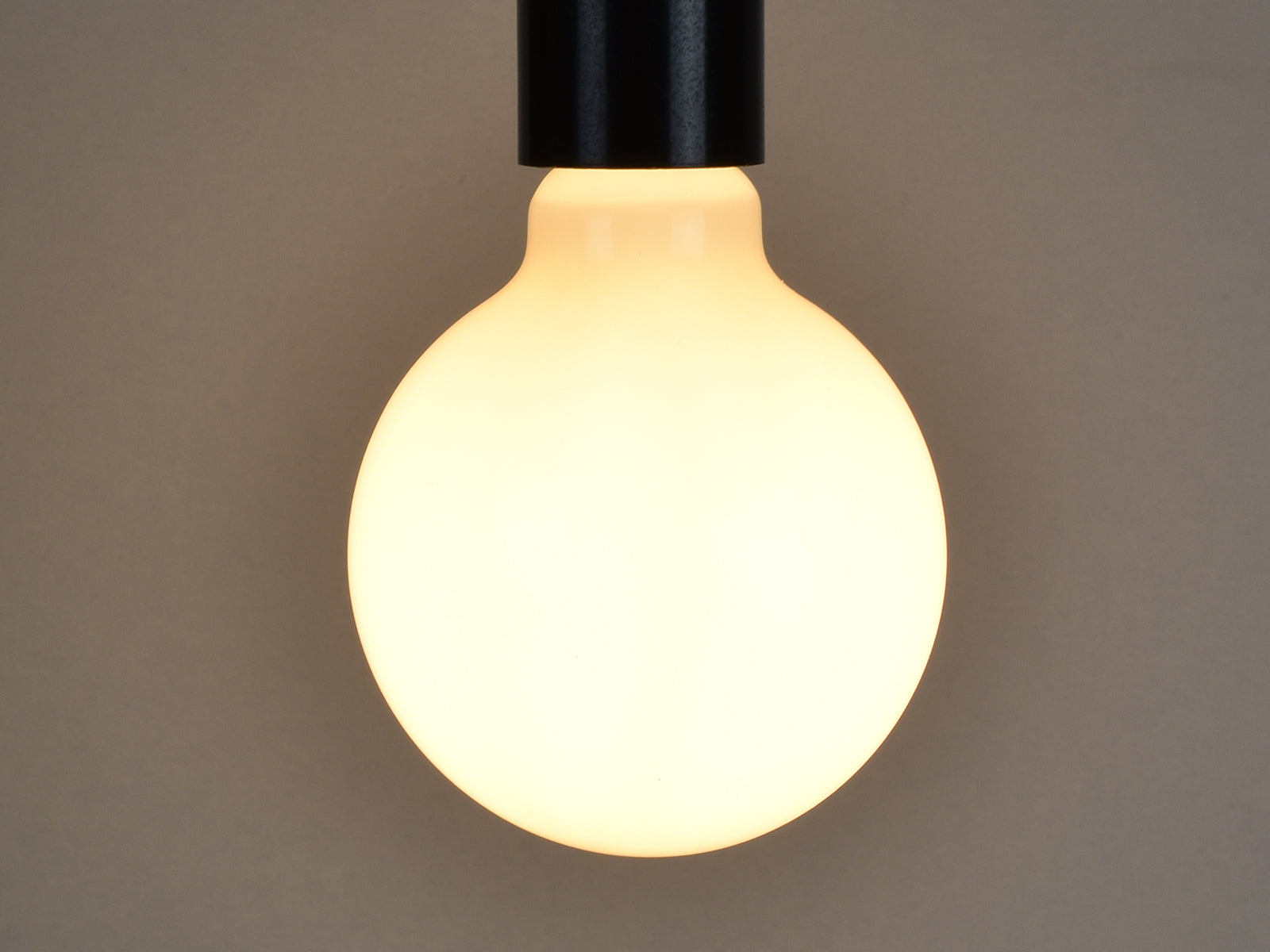 E27 LED Filament Bulb | G95 | Milky - Vendimia Lighting Co.