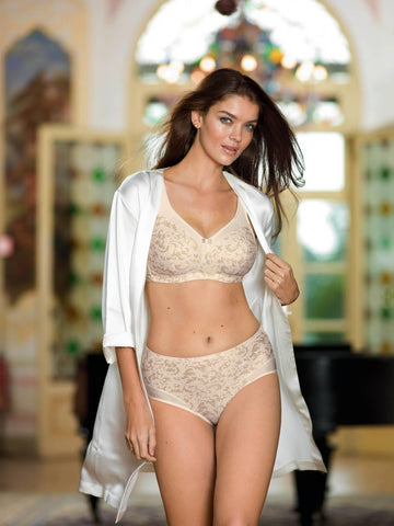 Model wearing Anita Ancona Non Wired Three Section Cup Comfort Bra 5861
