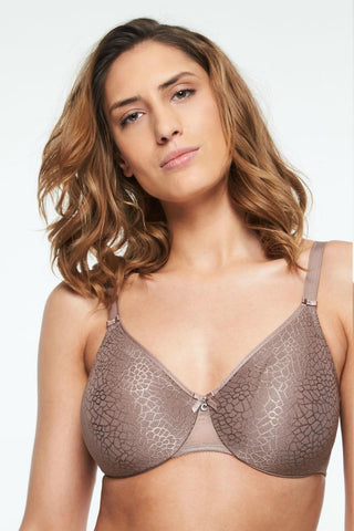 Model wearing Chantelle C Magnifique Seamless Unlined Minimizer 1891 - Cappucino