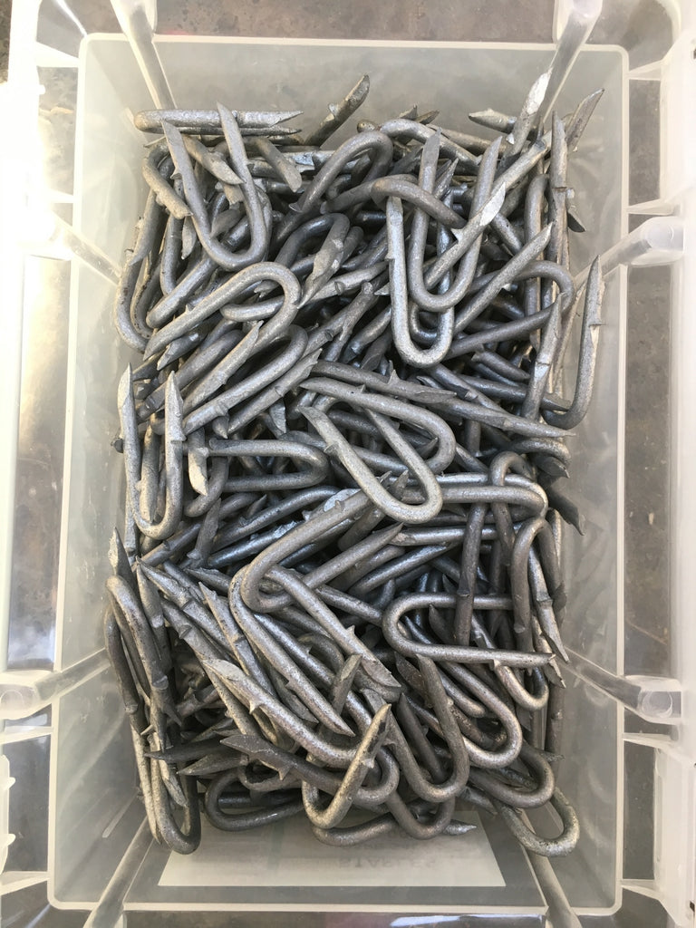 Barbed Staples Galvanised - 40mm X 4.0mm 2kg