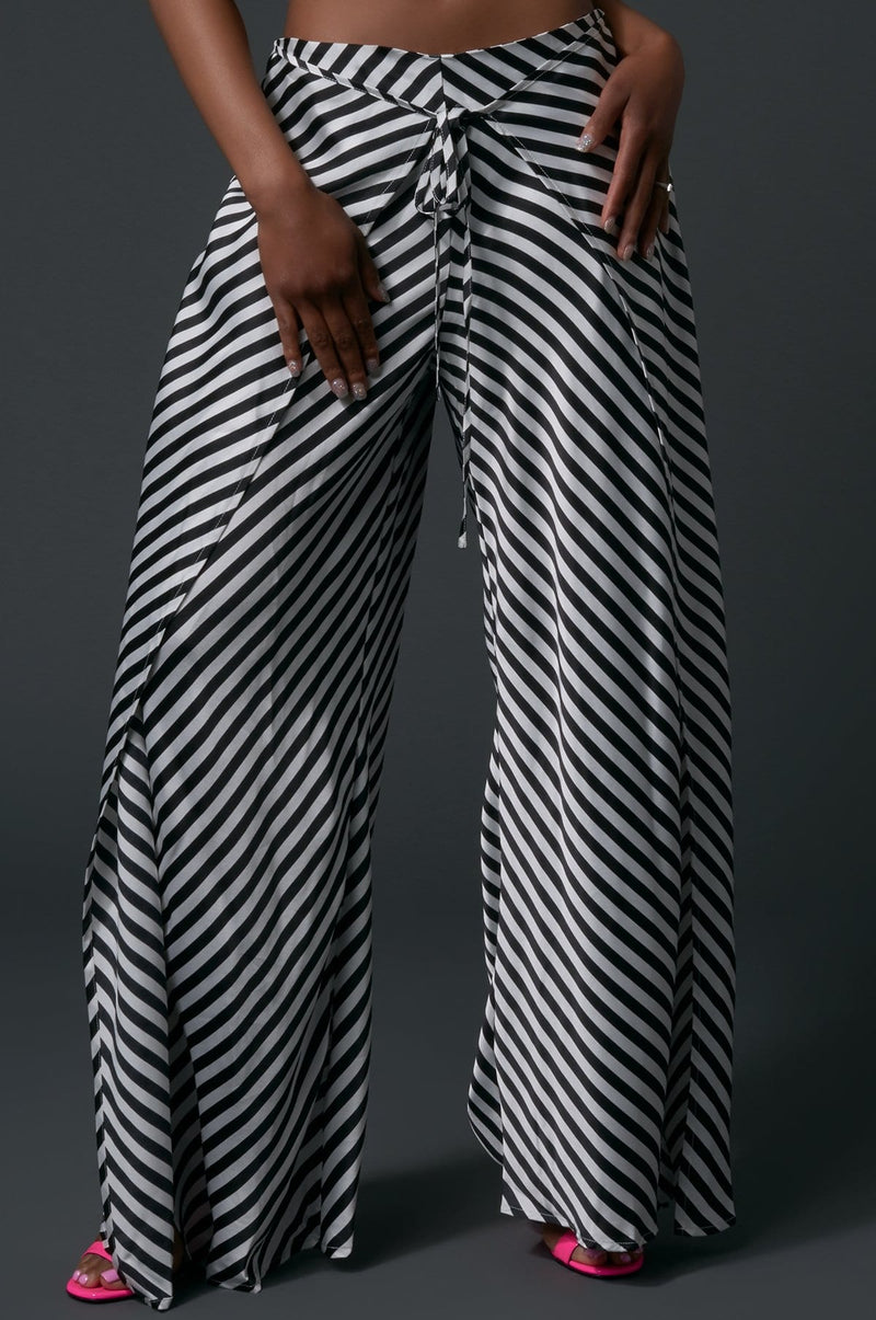 'Noelle' Striped Flared Pants
