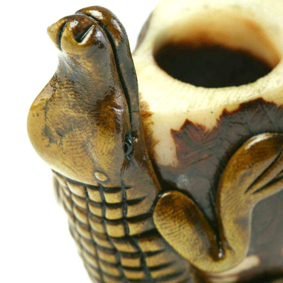 Vegetable Ivory Bowl - Crocodile Smoking Pipe