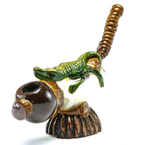 Andean Walnut Base - Crocodile Smoking Pipe with Glass